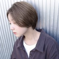 センターパートチャコールグレージュショート【vicca萩原】
