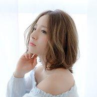 春髪。レイヤーミディ。【vicca 萩原】